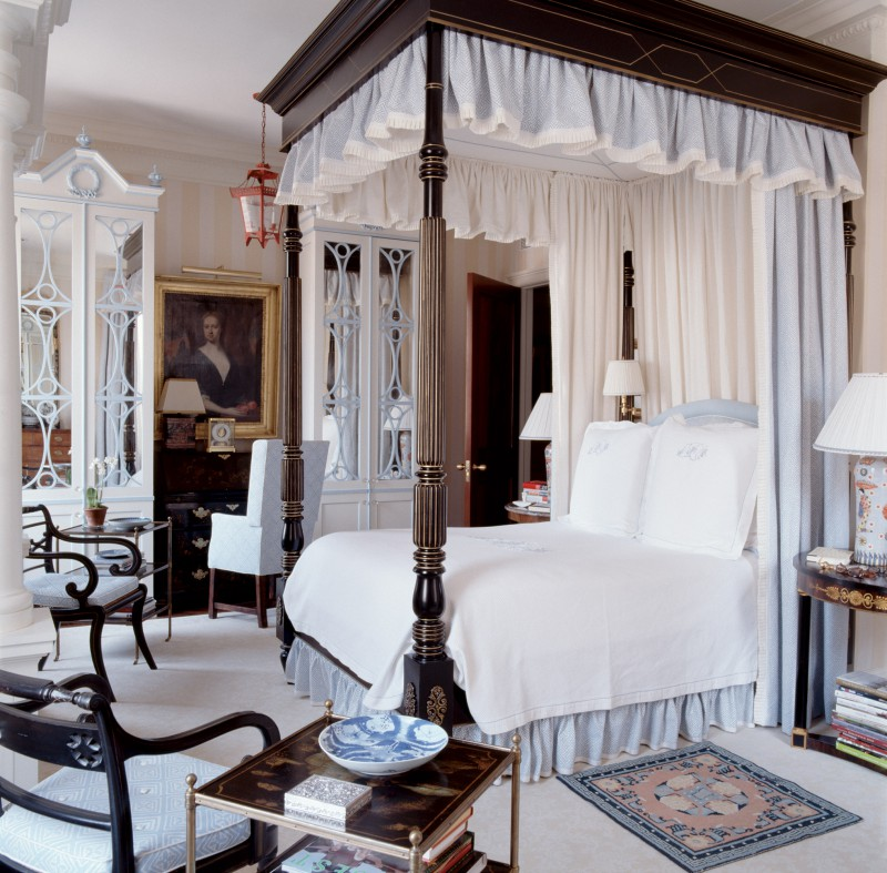 four poster canopy bed elegant bedroom
